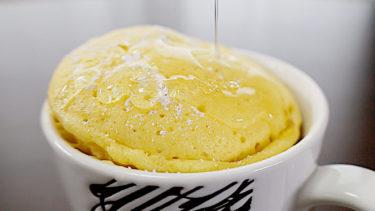 マグカップケーキの作り方!電子レンジ2分で作れる【超簡単レシピ】